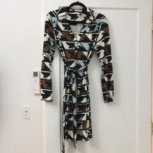 DVF tunic dress with belt. Size 10